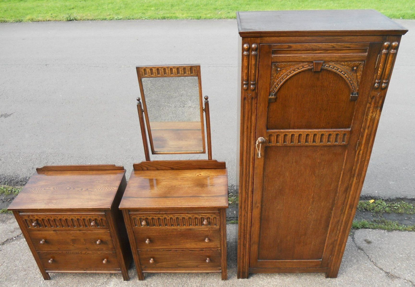 Reproduction Bedroom Furniture Piece Small Oak Reproduction Bedroom Suite Sold